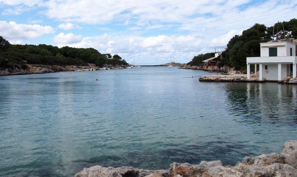 Cala Blanca in Menorca
