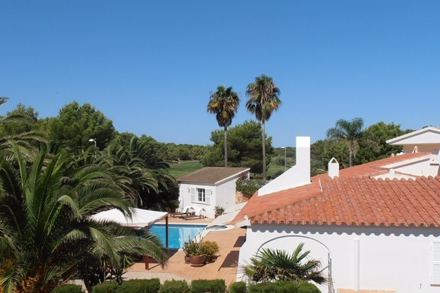 Pleasant bungalow for sale in perfect location in Menorca