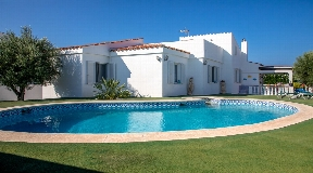Great villa for sale in Sol Del Este on Menorca with panoramic views