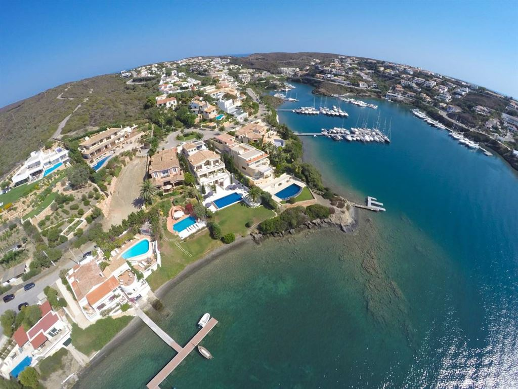 Amazing villa for sale in Menorca  in best and sought after location