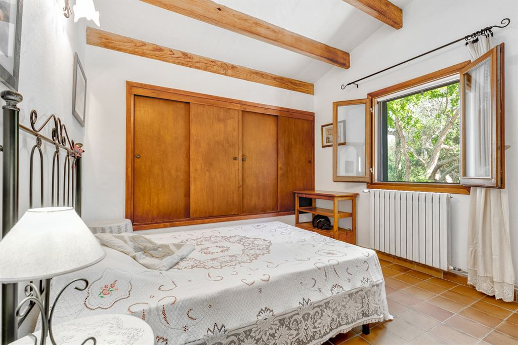 Astonishing dettached restored country house near Alaior in Greeny Atmosphere