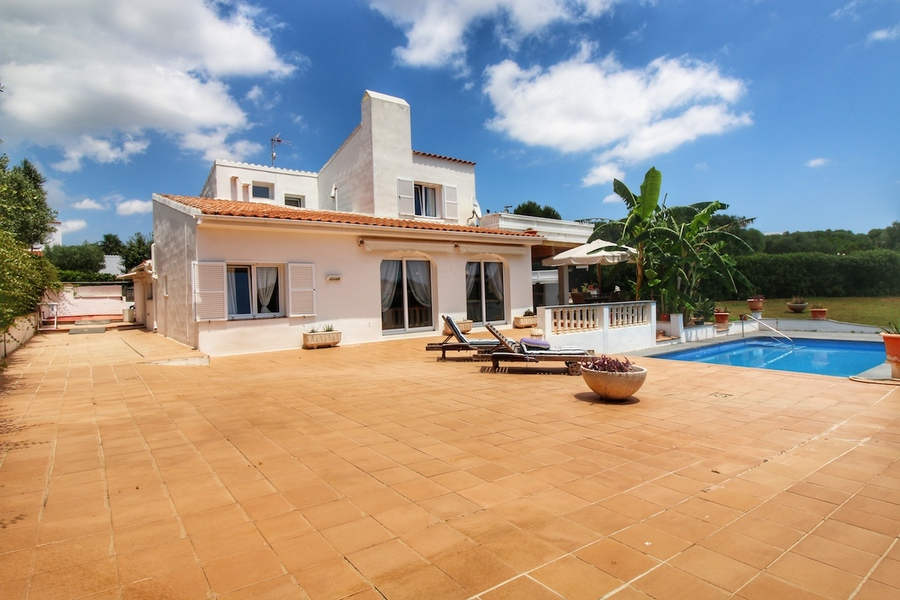 Attractive rental villa with license to rent in Binibeca Vell for sale