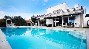 Unique villa for sale with sea view in Menorca - Son Bou