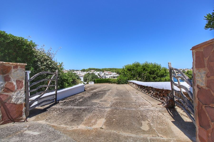 Luxurious villa with straight access to the sea in Menorca for sale