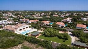 Luxury Villa for sale in quiet village of Trebaluger