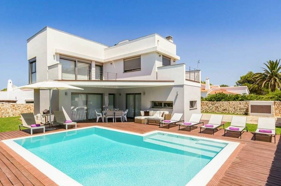Attractive and modern 3 bedrooms villa for sale in Son Carrio