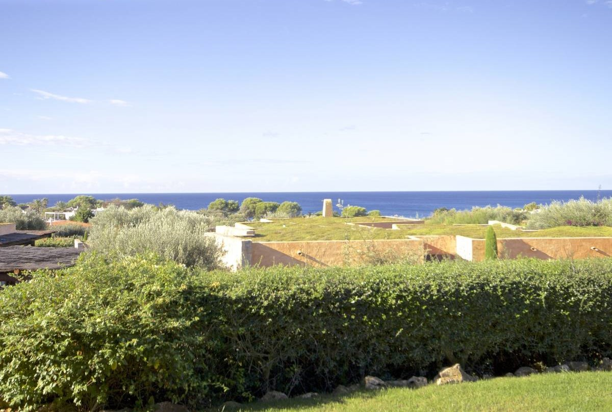 Environmentally conscious bio-climatic villa located in south coast of Menorca