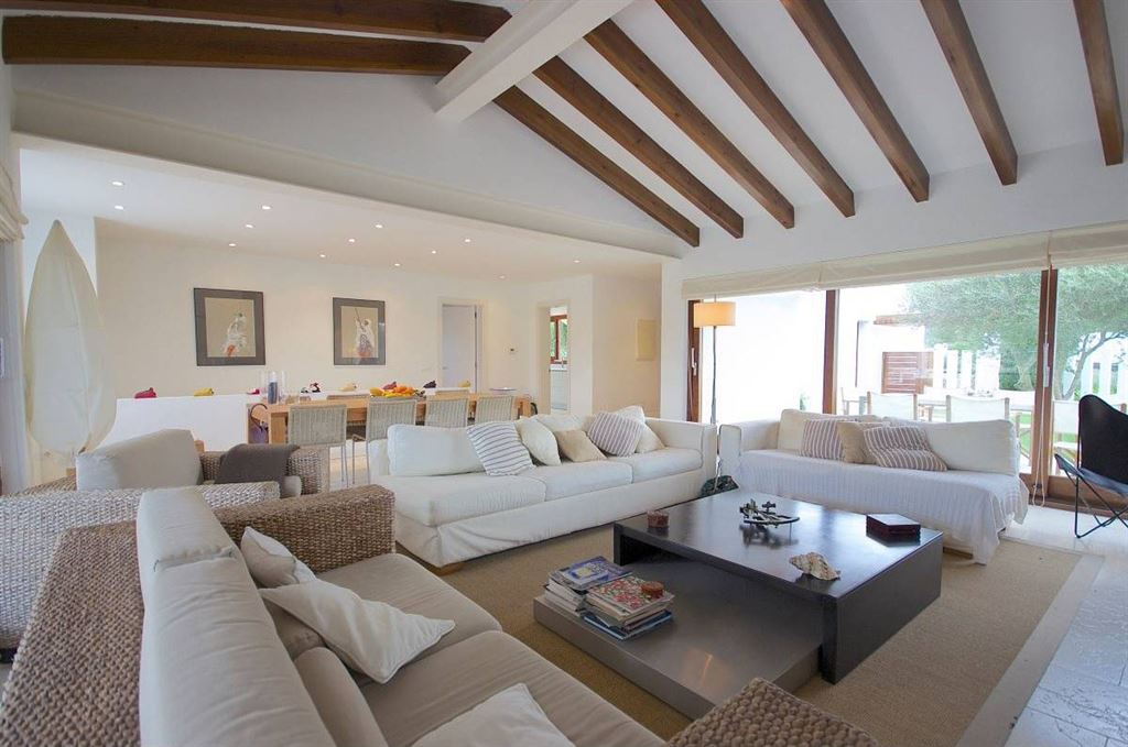 Nice contemporary property for sale overlooking the port of Mahon