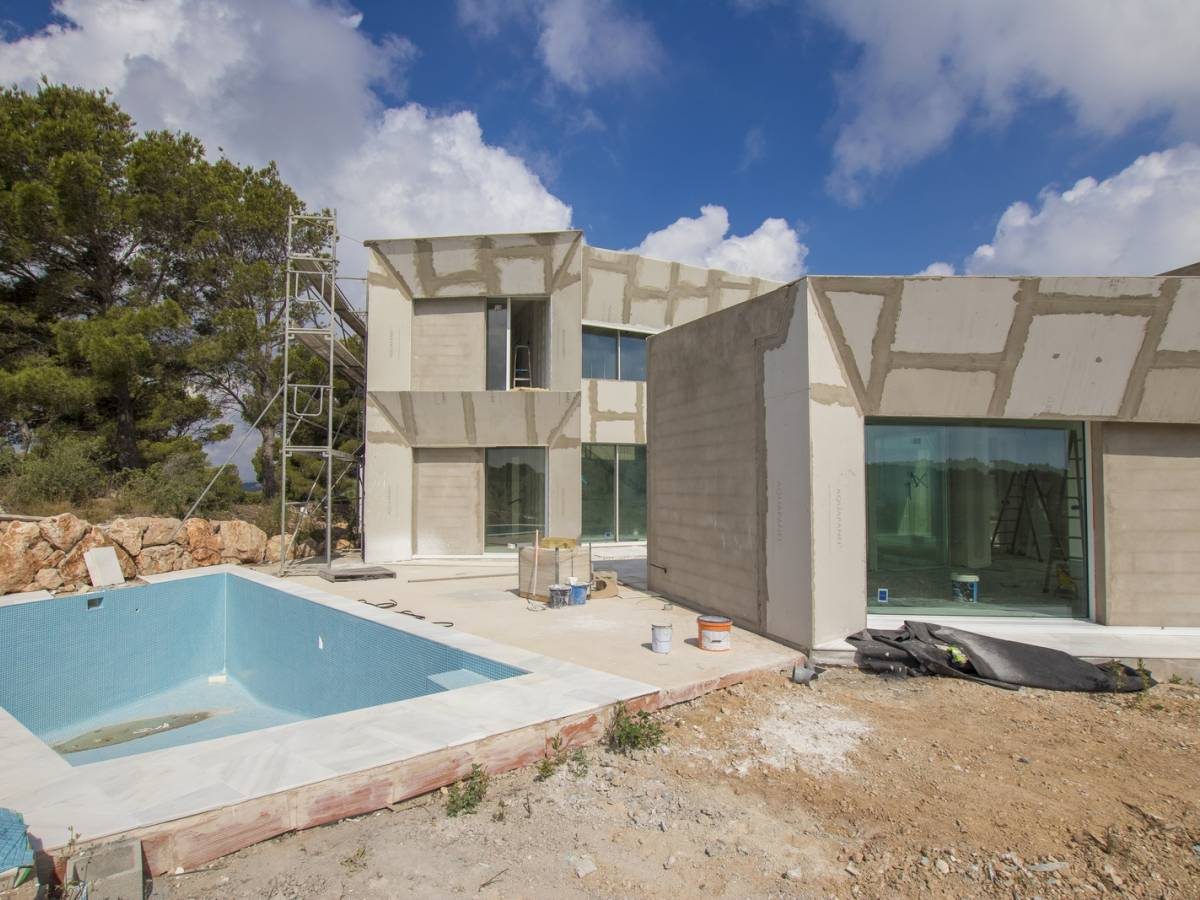 Nice contemporary property for sale in Coves Noves