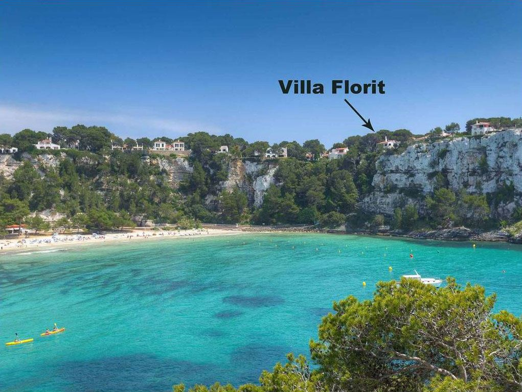 Attractive front line villas for sale on plot 836m² in Cala Galdana