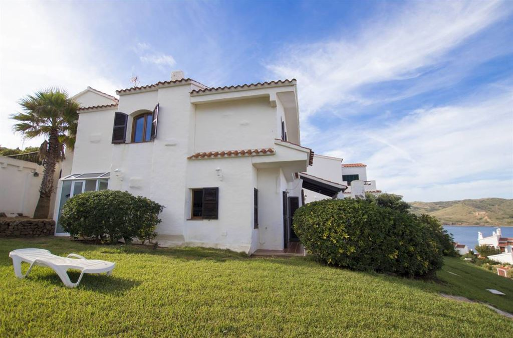 Detached villa with wonderful sea views in Menorca in Fornells