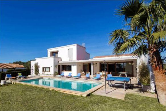 Modern villa on the south coast of Menorca near the beach for sale