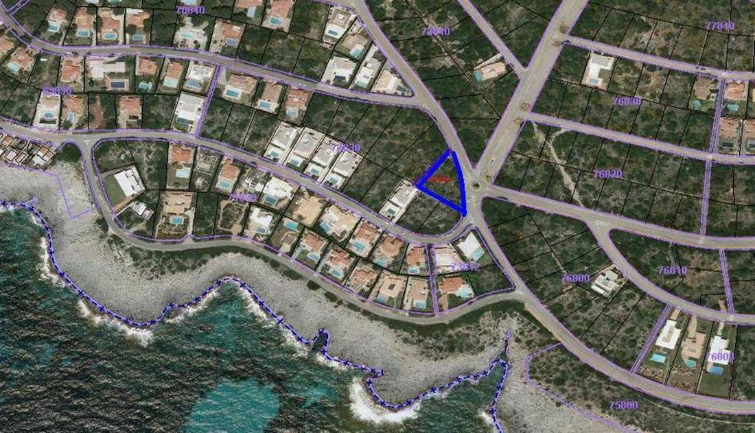 Land in Torret de Baix with wonderful views of the sea