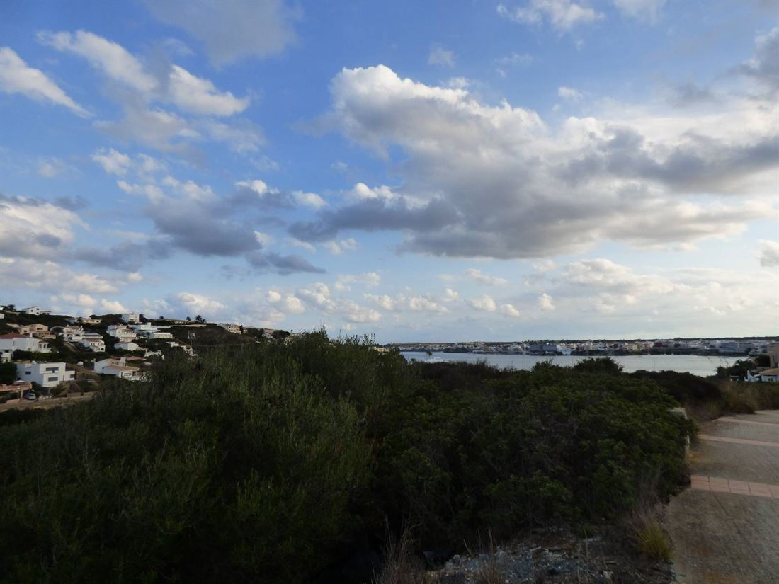 Nice plot in second line to the sea in Mahon on Menorca