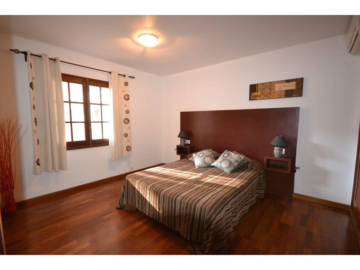 Wonderful villa over two floors in Cala Blanca