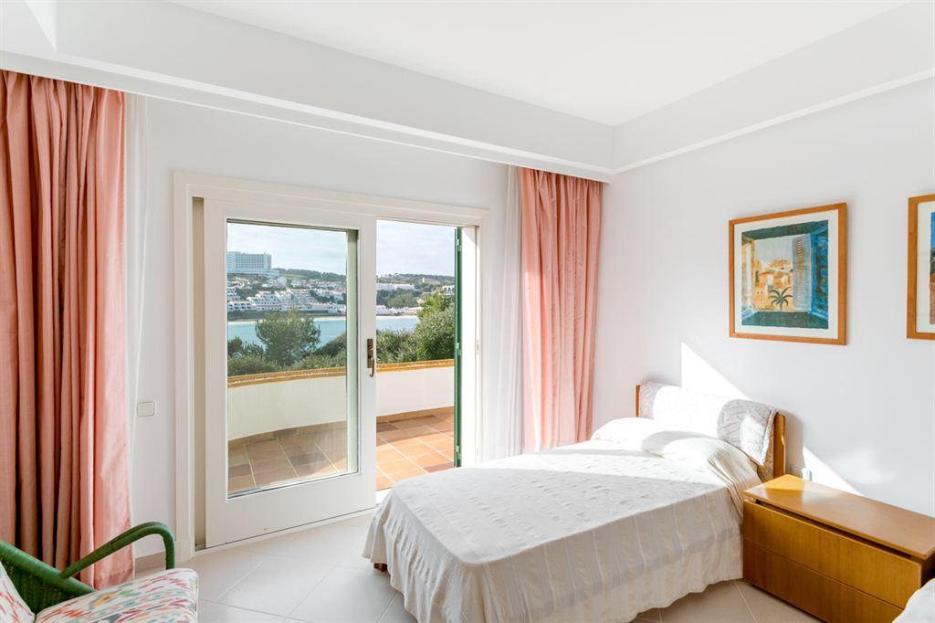 Excellent and huge villa near the Arenal d'en Castell