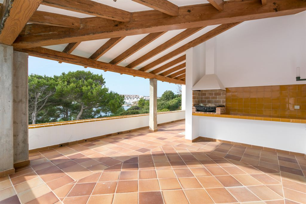 Excellent and huge villa near the Arenal d'en Castell