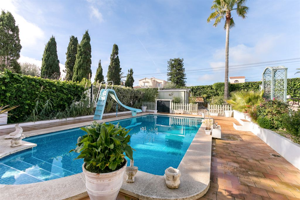 Unique well decorated villas with pool in Binixiquer