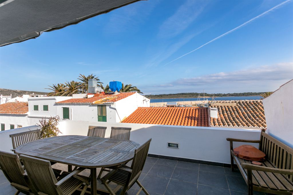 Nice villa with 2 duplex apartments in Fornells