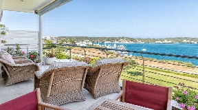 Extraordinary apartment with magnificent views of the harbour of Mahan