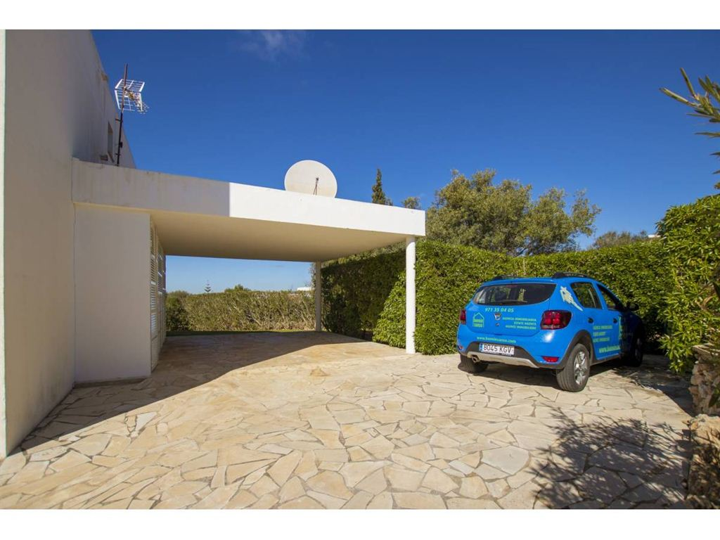 Individual south facing villa for sale in Binisafua Rotters on Menorca
