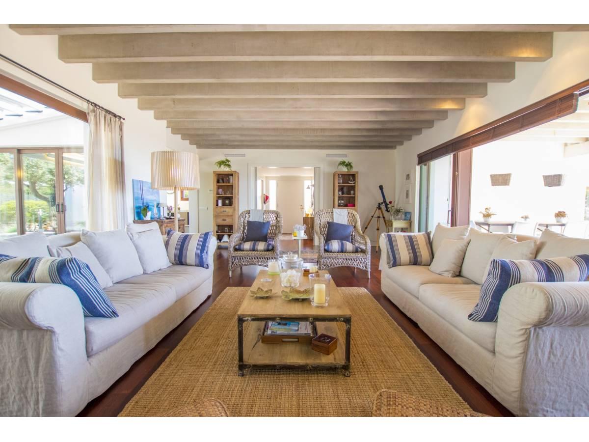 Natural villa with presentable sea views of Binidali, Mahon, Menorca for sale