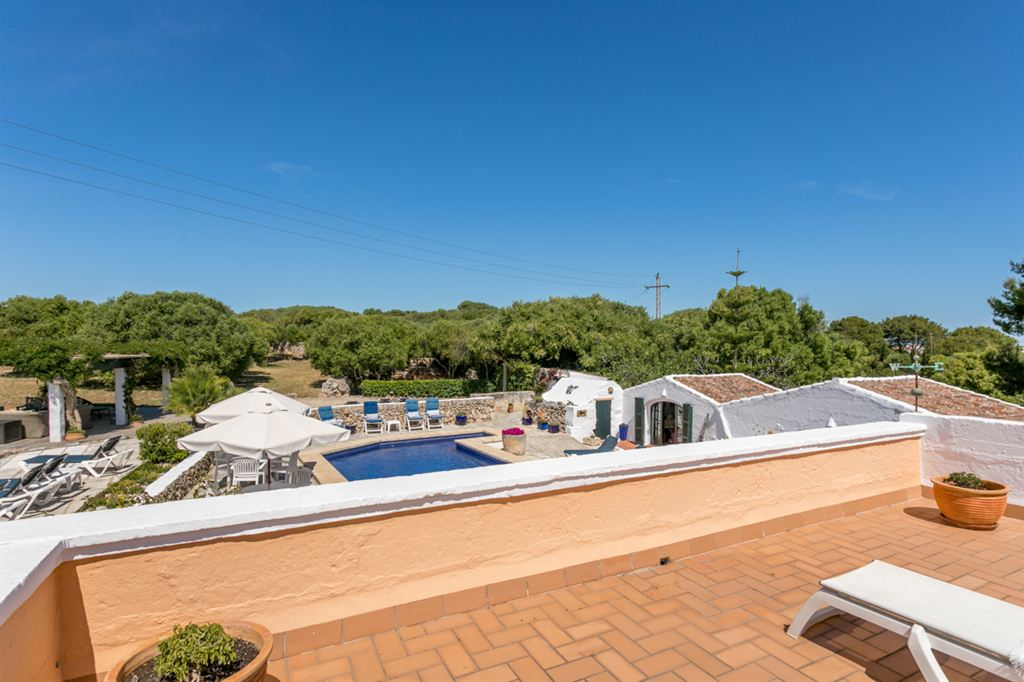 Nice villa near Sant Lluis with very large land and tourist license