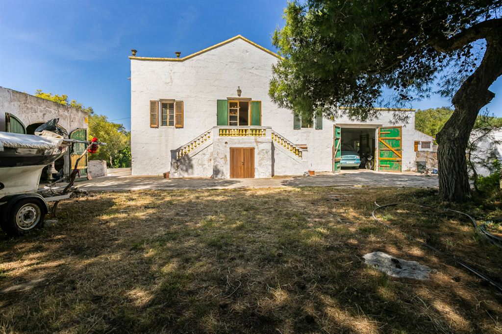 Viewable finca with private access to Santandria beach in Ciutadella for sale