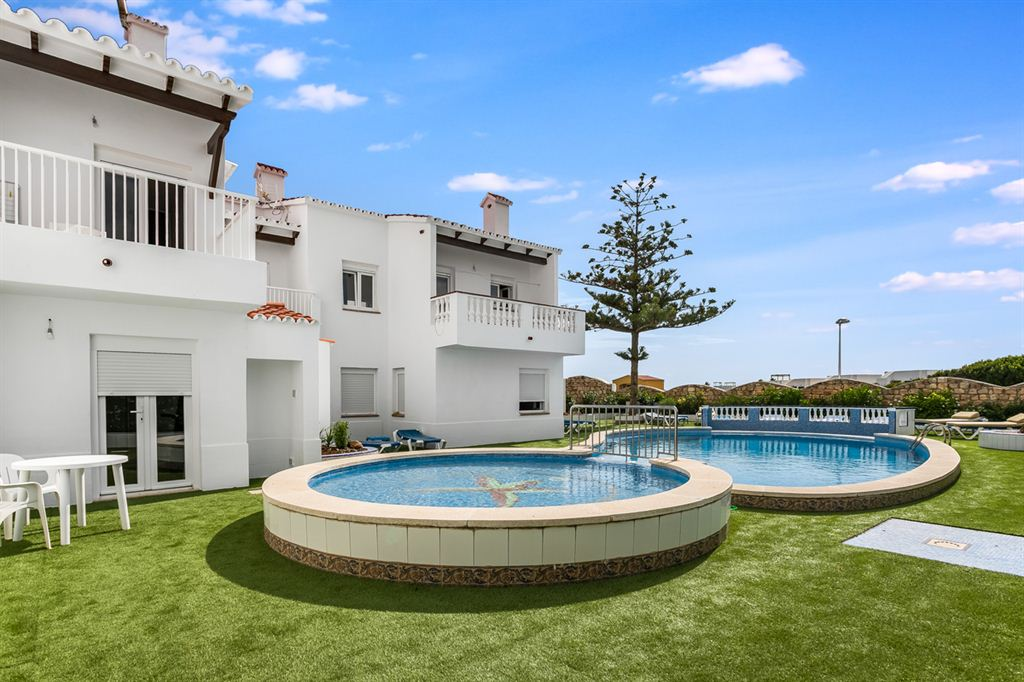 Nice gated complex for sale with 6 beautiful apartments, in Arenal d'en Castell with sea views
