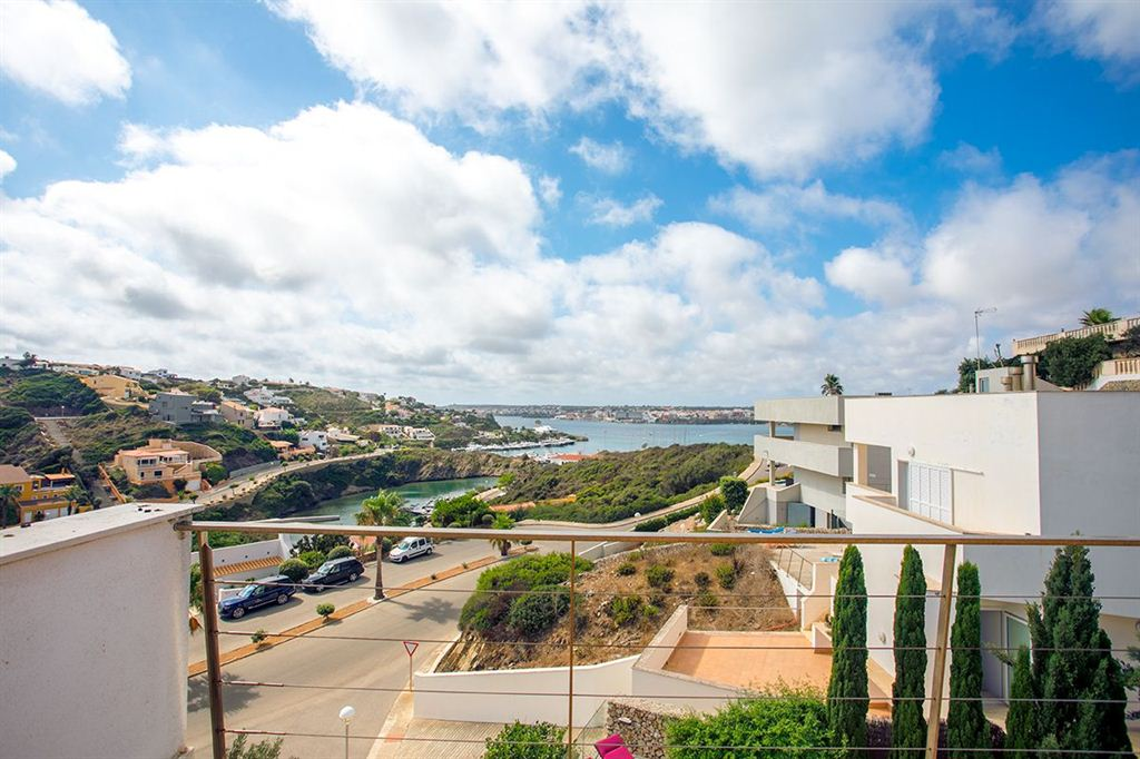 New villa for sale in Cala Llonga with nice views of the port of Mahón