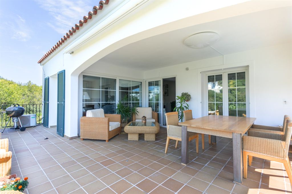 Amazing villa for sale with tourist rental license in Cala Llonga