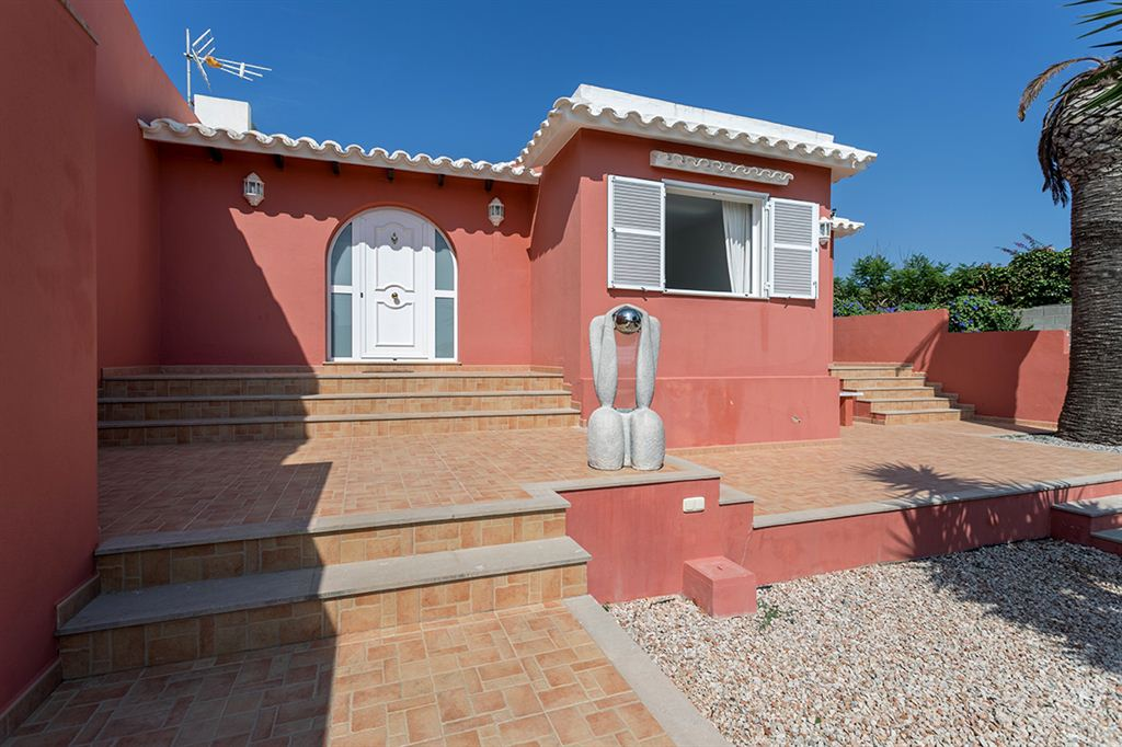 Superb villa with views of the sea in Punta Prima for sale