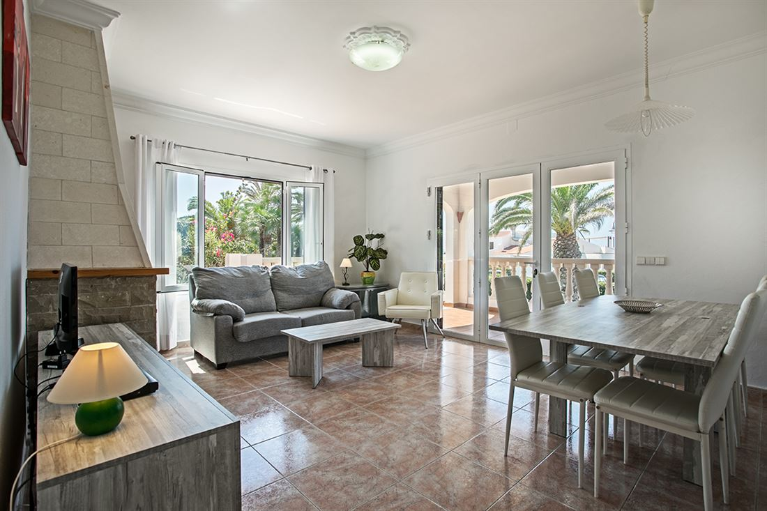 Superb villa with sea views and tourist license for sale in Binibeca Vell
