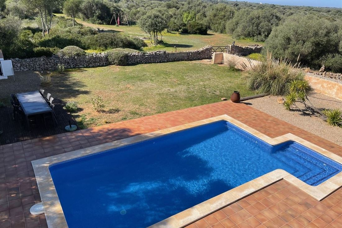 Property with pool and tourist rental license in Sant Lluís
